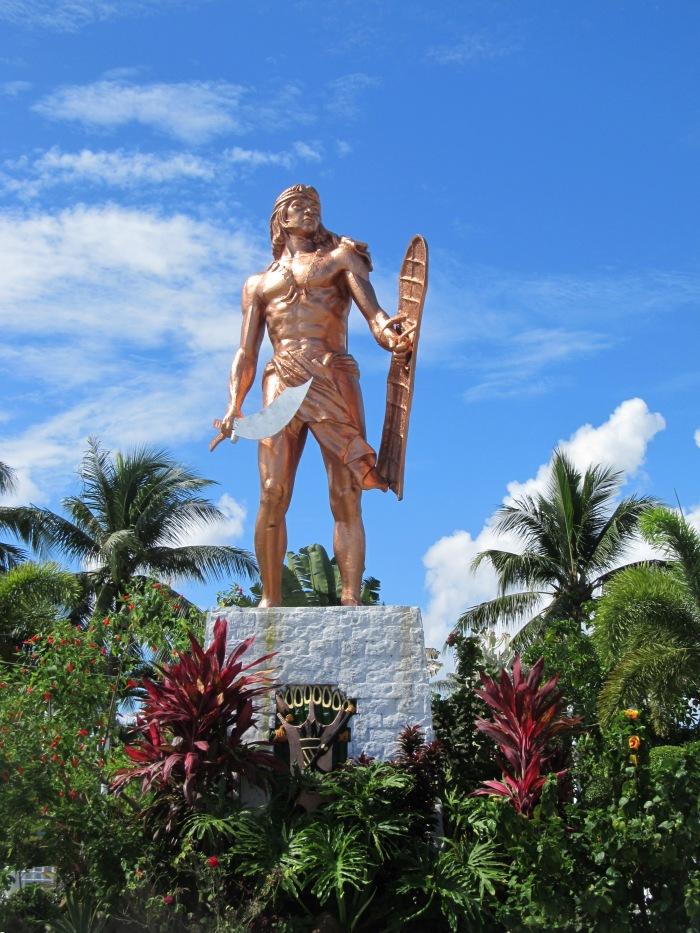 lapu_-_lapu_statue_in_cebu_philippines