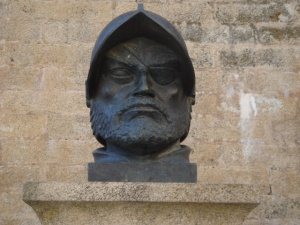 Francisco_de_Orellana-bust